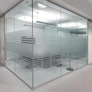 цельностеклянная офисная перегородка